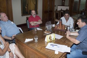 03-01-reunion-intendente-chillar-02