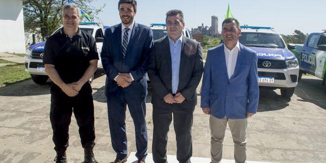 Bertellys recibió móviles policiales para reforzar la seguridad en Azul
